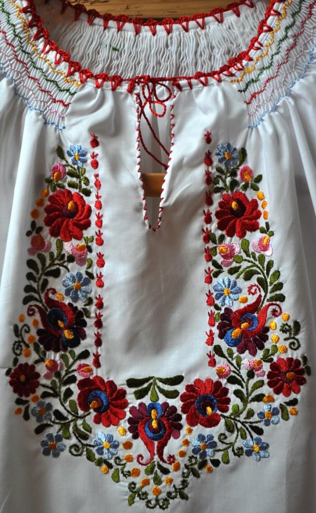 a66ab0fc83 Hímzett matyó blúz (S) 5216 - Népművészeti webshop, kézműves ajándékok