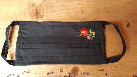 Hímzett mosható maszk (fekete)
